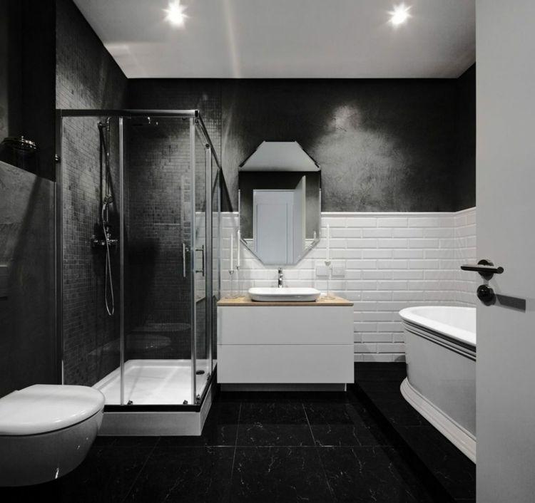 Schwarz Weißes Bad In Minimalistischem Stil