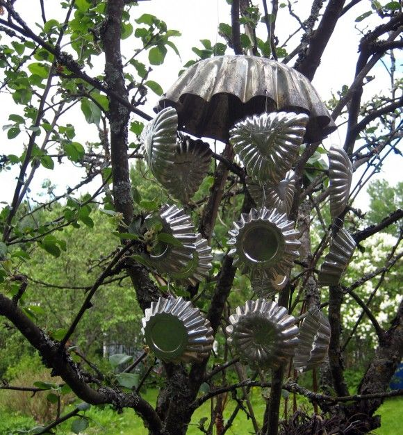 Muffin, tart and cake pan wind chime