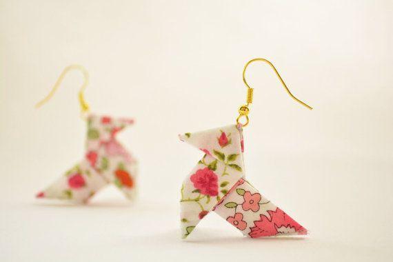 Pink roses liberty origami earrings made of patchwork par Joliejye, €28.00