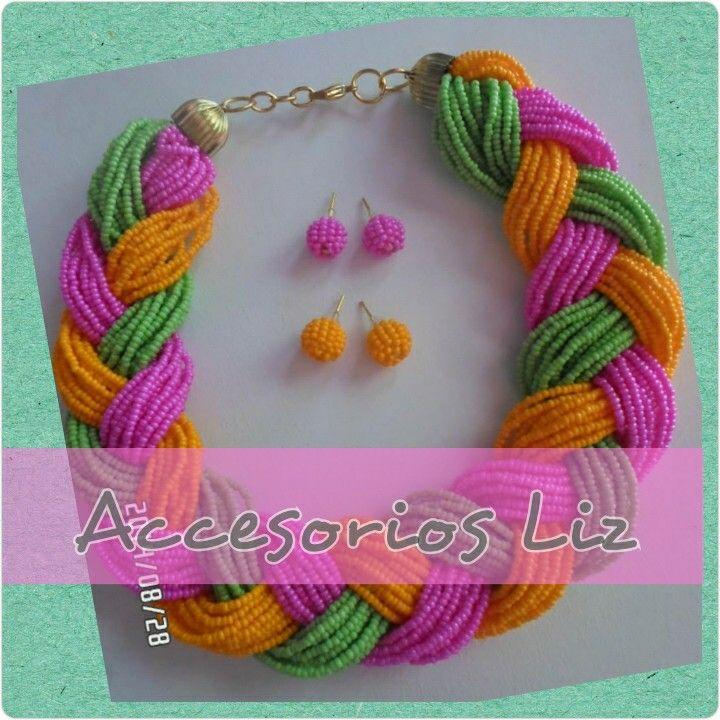 10aebbdb7e91 Hermoso collar corto trenzado en  mostacilla  checa en colores fucsia