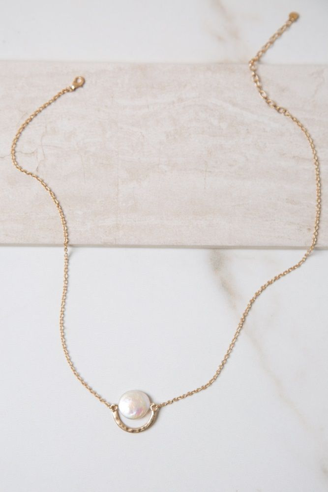 9d0ebba9001 Simple and delicate, this pearl necklace will add a touch of ...