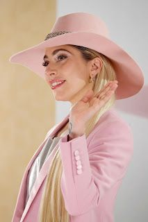 FOTOS HQ: Lady Gaga en conferencia de prensa en Tokio, Japón : Hey Lady Gaga