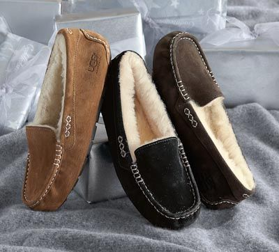 dc71934f4d3 UGG Women's Ansley Slipper. I'm usually not a slipper person but ...