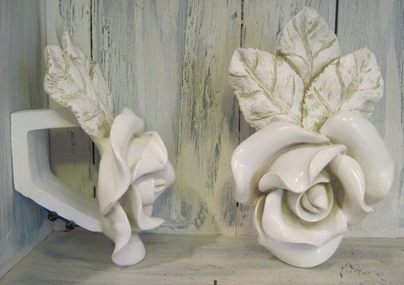 Vintage White Color Floral Shape Rose Pattern Shabby Chic Curtain Pole Brackets Finial Rod