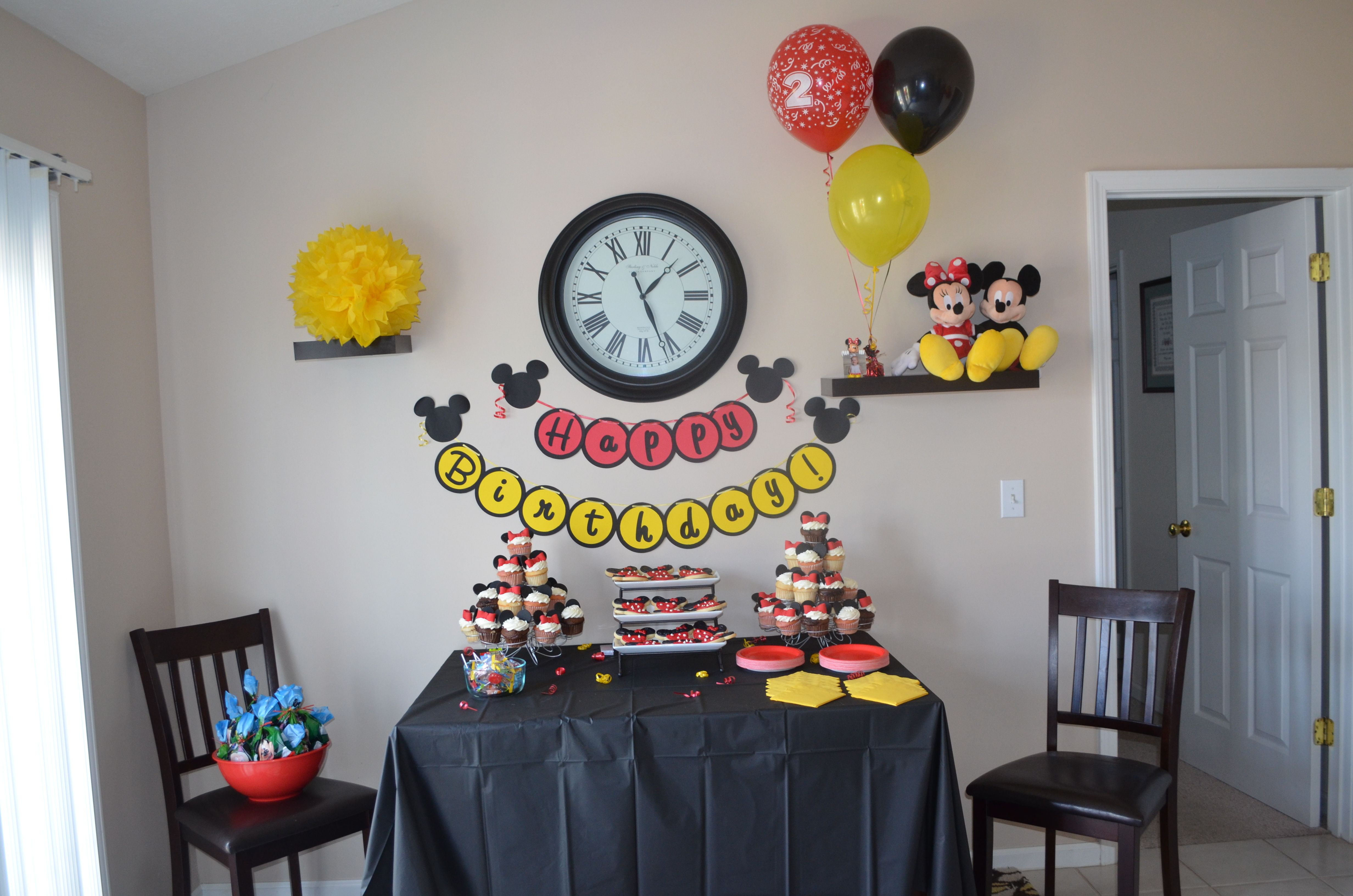 Mickey/ Minnie Party cake table decorations