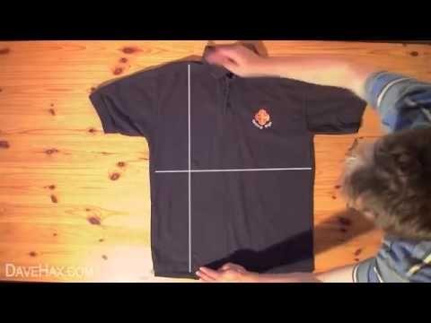 Come Piegare Le Maglie.Piegare Magliette E Camicie In Meno Di 2 Secondi Youtube