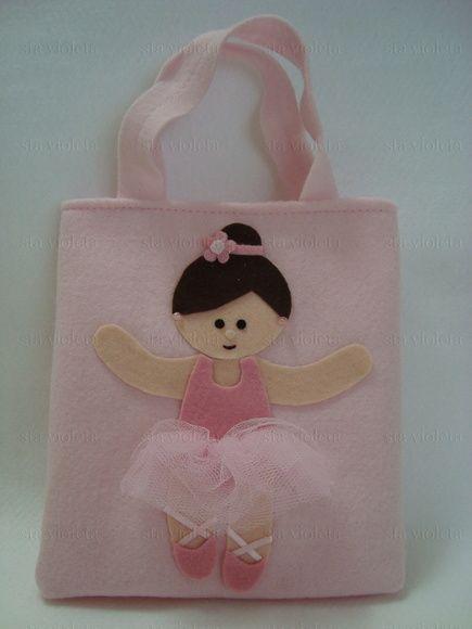 cee489cd1b Lembrancinha Sacola surpresa Bailarina Sacola surpresa infantil  confeccionada em feltro de 1ª qualidade