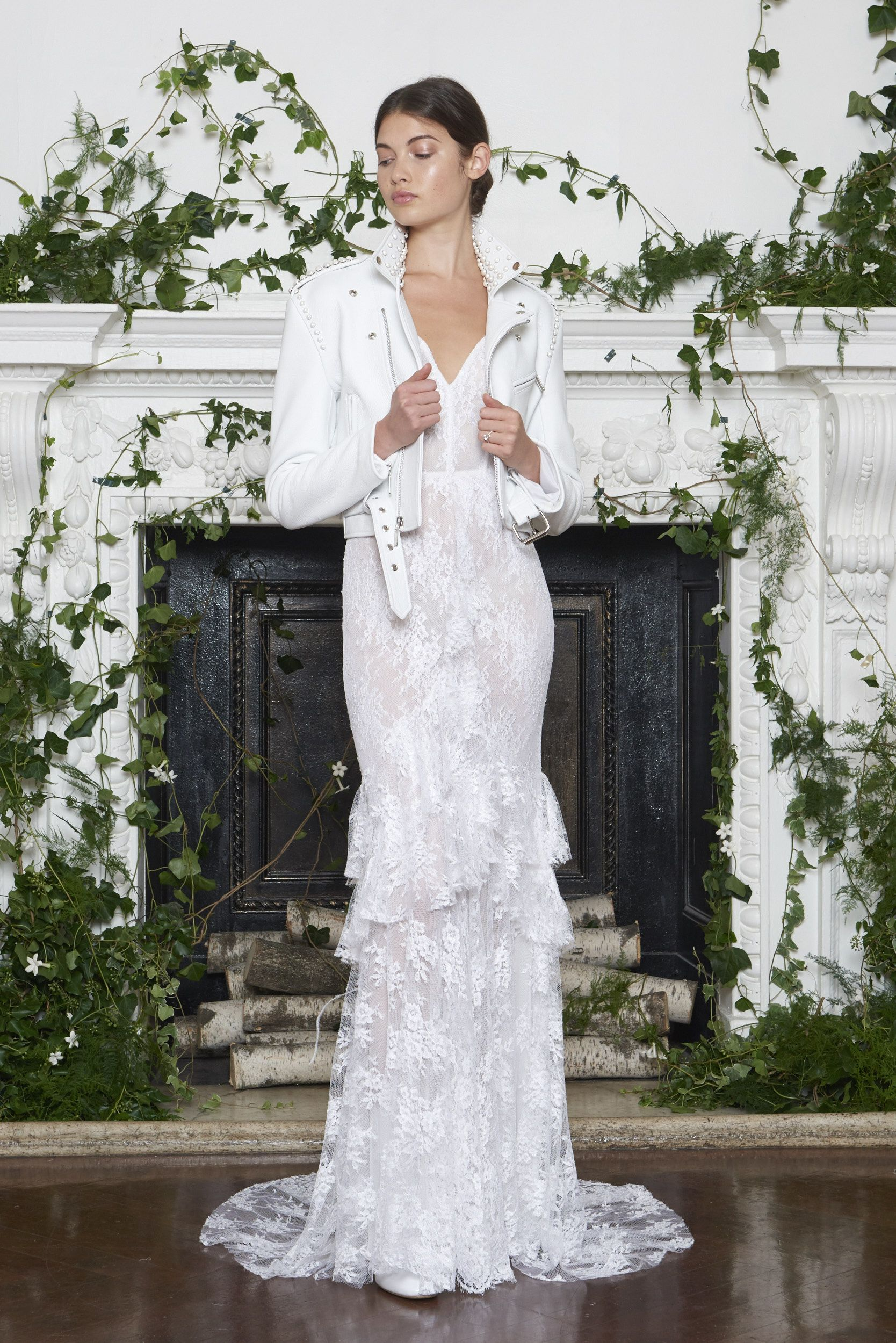 79bdea380e9 Moniquelhuillier fw18 look 1 alexis. Moniquelhuillier fw18 look 1 alexis  2018 Wedding Dresses Trends
