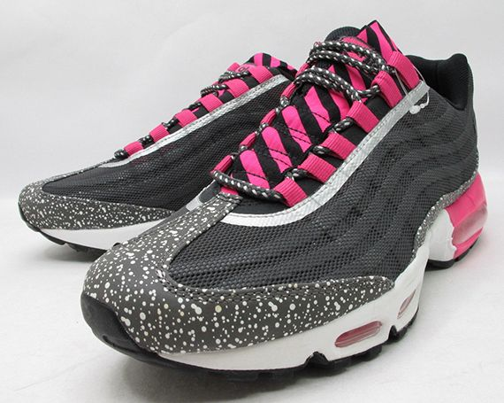 air max 95 black and pink