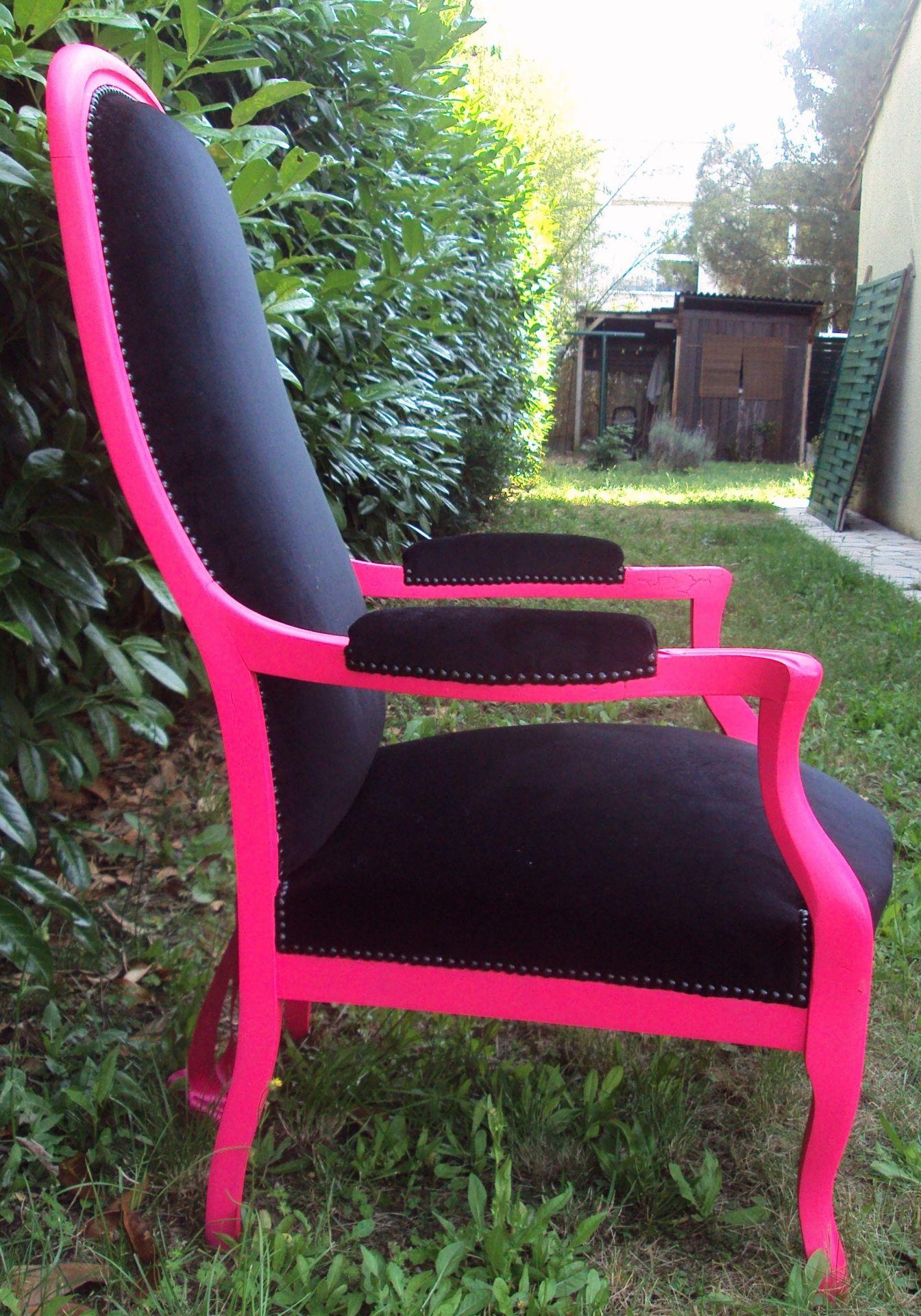 My Pinky Voltaire Du Rose Fluo Du Noir Et Des Clous Noirs