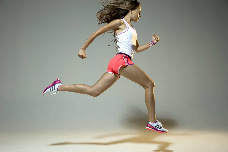 Continuando con su nueva campaña all in for #mygirls, adidas presenta su colección de running más solidaria: la nueva línea AKTIV.