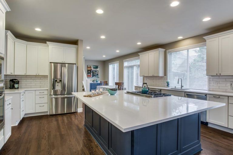 Massive Island For The Love Of Entertaining Cliqstudios Beach House Kitchens Kitchen Remodel Home Kitchens