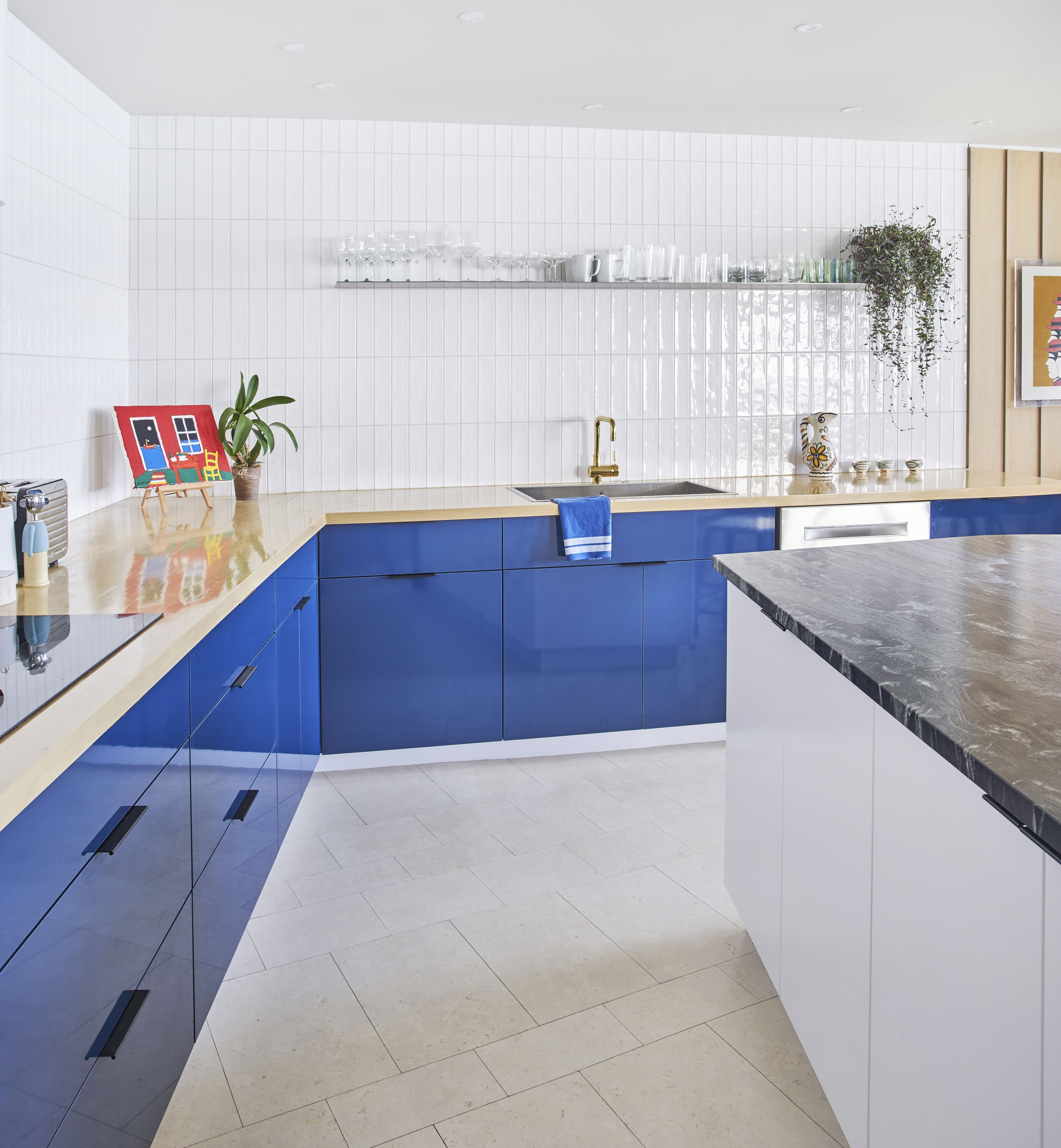Best Photos from An Interior Designer Helps His Mother Turn Her ...