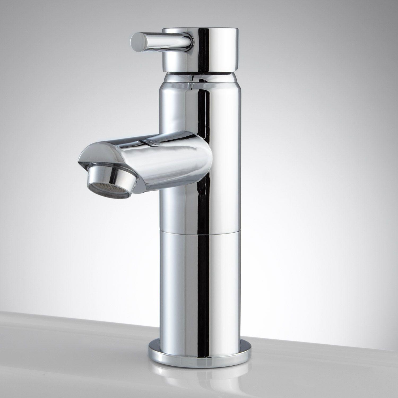 Uno Single Hole Bathroom Faucet with Pop Up Drain - Chrome