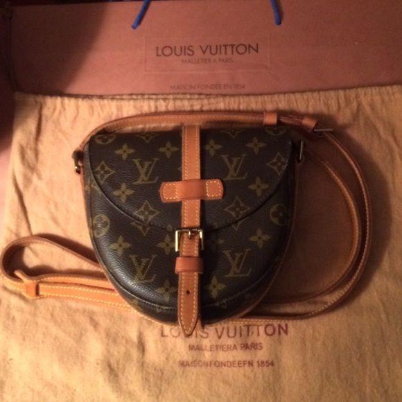 76ef82b83 Louis Vuitton Chantilly Monogram Crossbody Bag GORGEOUS Authentic Louis  Vuitton Vintage Chantilly PM Monogram Canvas Shoulder Crossbody Bag w  dustbag.