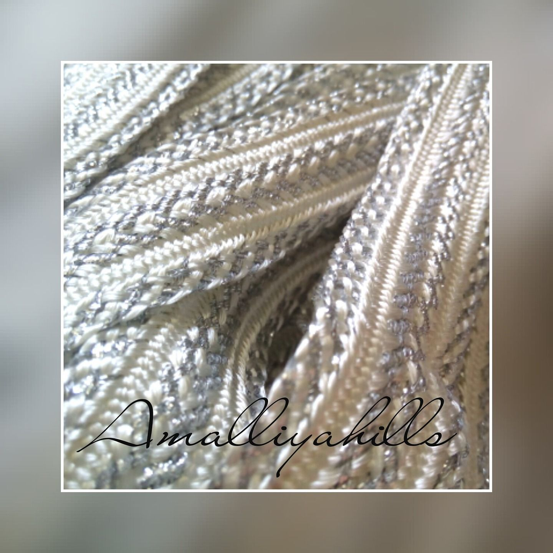 NEUF mètres Attractive Indian Fabric Gold Cristal et Perles Ruban Bordure En Dentelle