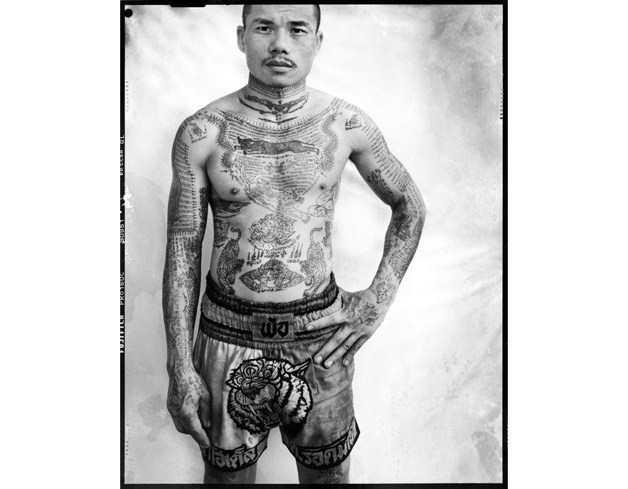 """L'exposition """"Tatoueurs, tatoués"""" au musée du quai Branly http://www.vogue.fr/vogue-hommes/culture/diaporama/l-exposition-tatoueurs-tatoues-au-musee-du-quai-branly/18644/image/998429#!7"""