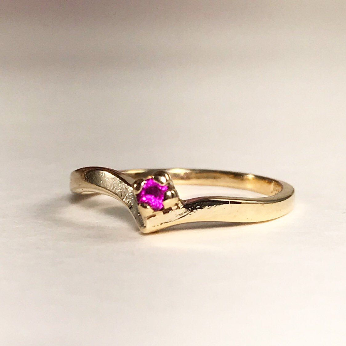 Vintage Chevron Ruby Ring 10k Yellow Gold Ruby Ring Size Etsy In 2020 Ruby Ring Gold Ruby Ring Filigree Ring Gold