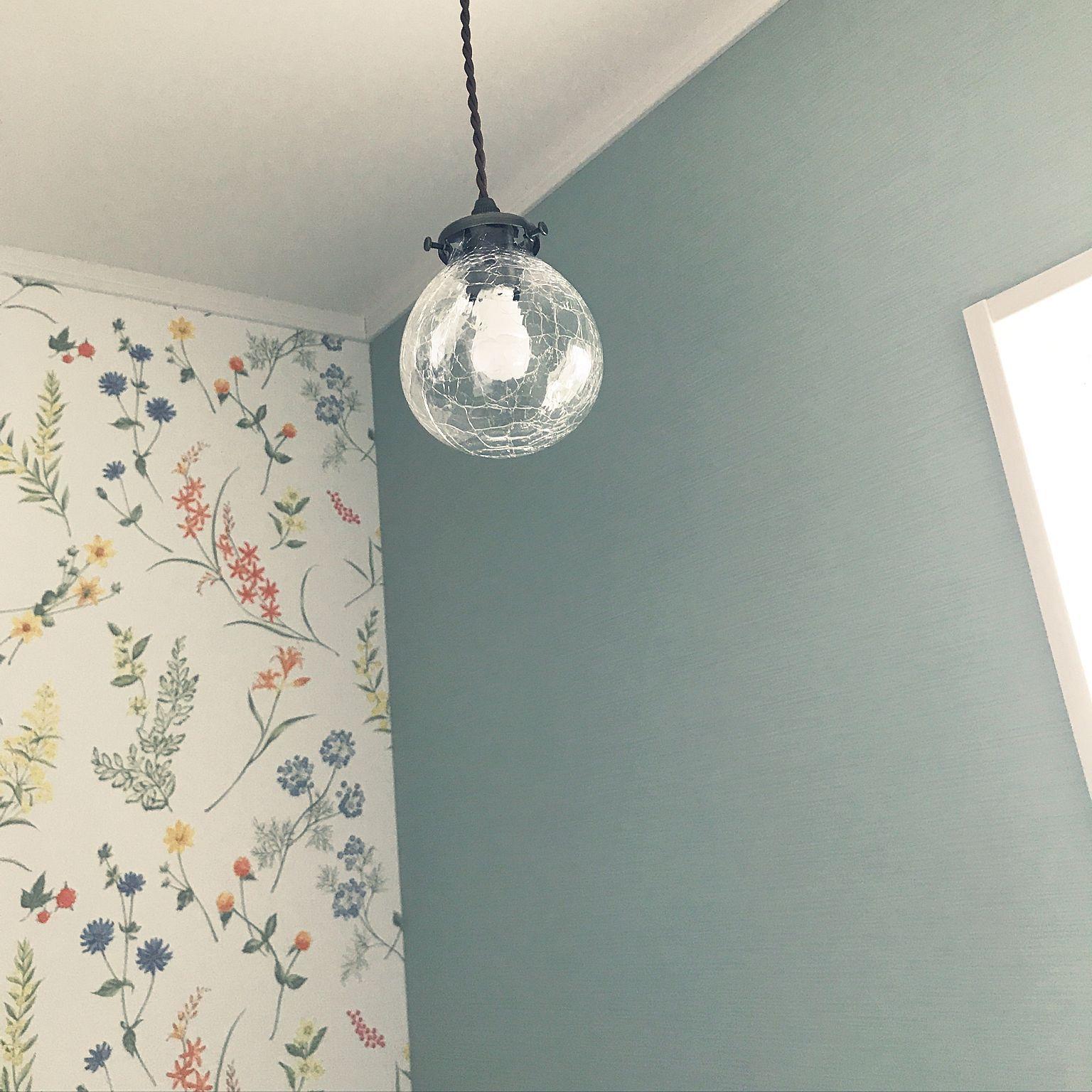 バス トイレ Toto 花柄壁紙 マイホーム記録 Vintia などのインテリア実例 17 07 21 19 35 Roomclip ルームクリップ トイレ 壁紙 花柄 壁の設計 壁紙 家