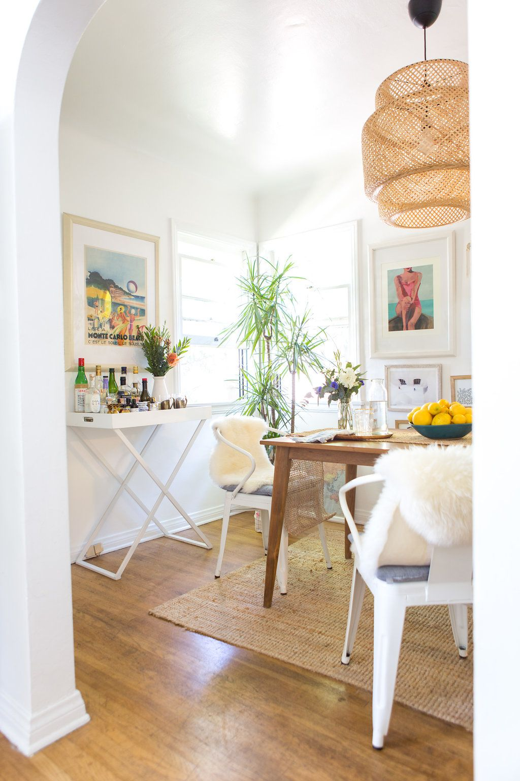 Home Tour On Apartment Therapy Bungalow Homes Beach Bungalow