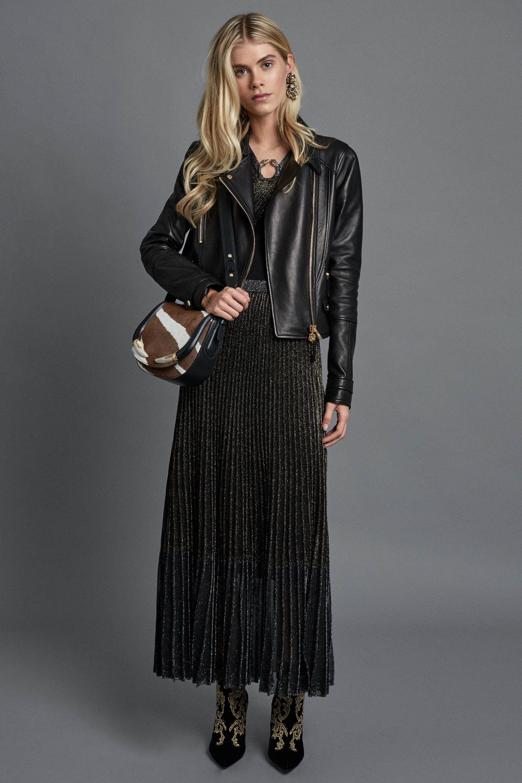 Pre-fall da Roberto Cavalli resgata o clássico da grife - Vogue   Desfiles 2e9ac83886