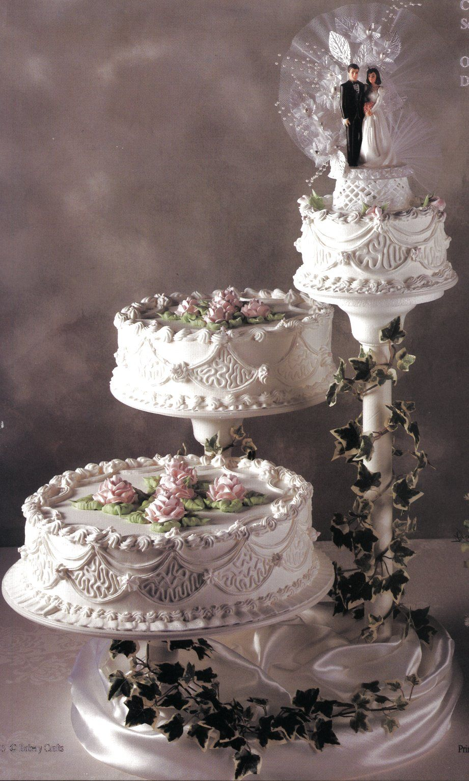 3 separate tier wedding cake stand cake step by guide to baking and decorating a wedding diy 10211