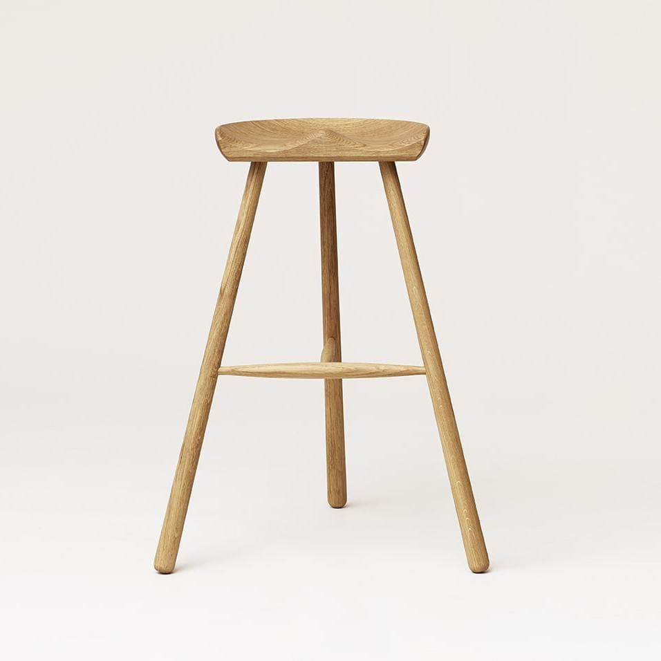 A true classic made in Denmark since 1936 – where it still to this day is produced by our local joinery. The seat is shaped out of one large solid piece of wood and because of the variations in the woodgrain, every Shoemaker Chair™ is completely unique. Together, the turned legs and the stabilizing T connection create a harmonic and aesthetic piece of furniture with strong references to the Nordic design universe. The construction may look rather simply , but it is technically difficult to maste