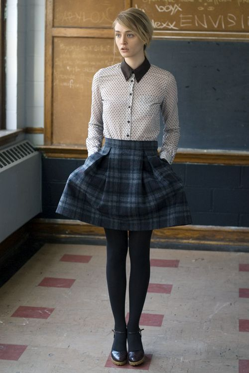 not much of a preppy girl but I like this take on preppy/ grunge a bit.