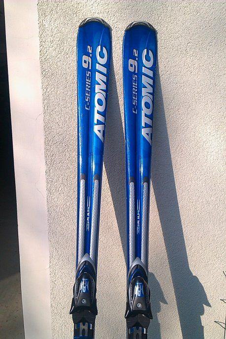 Ski alpins tous niveaux atomic c series 9 en 170 cm deux for Housse de snowboard