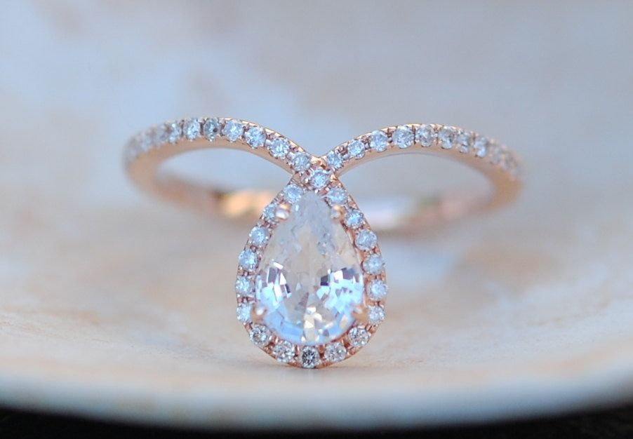 Rose gold ring Pear Sapphire COBRA ring 1ct white by EidelPrecious ...repinned für Gewinner!  - jetzt gratis Erfolgsratgeber sichern www.ratsucher.de