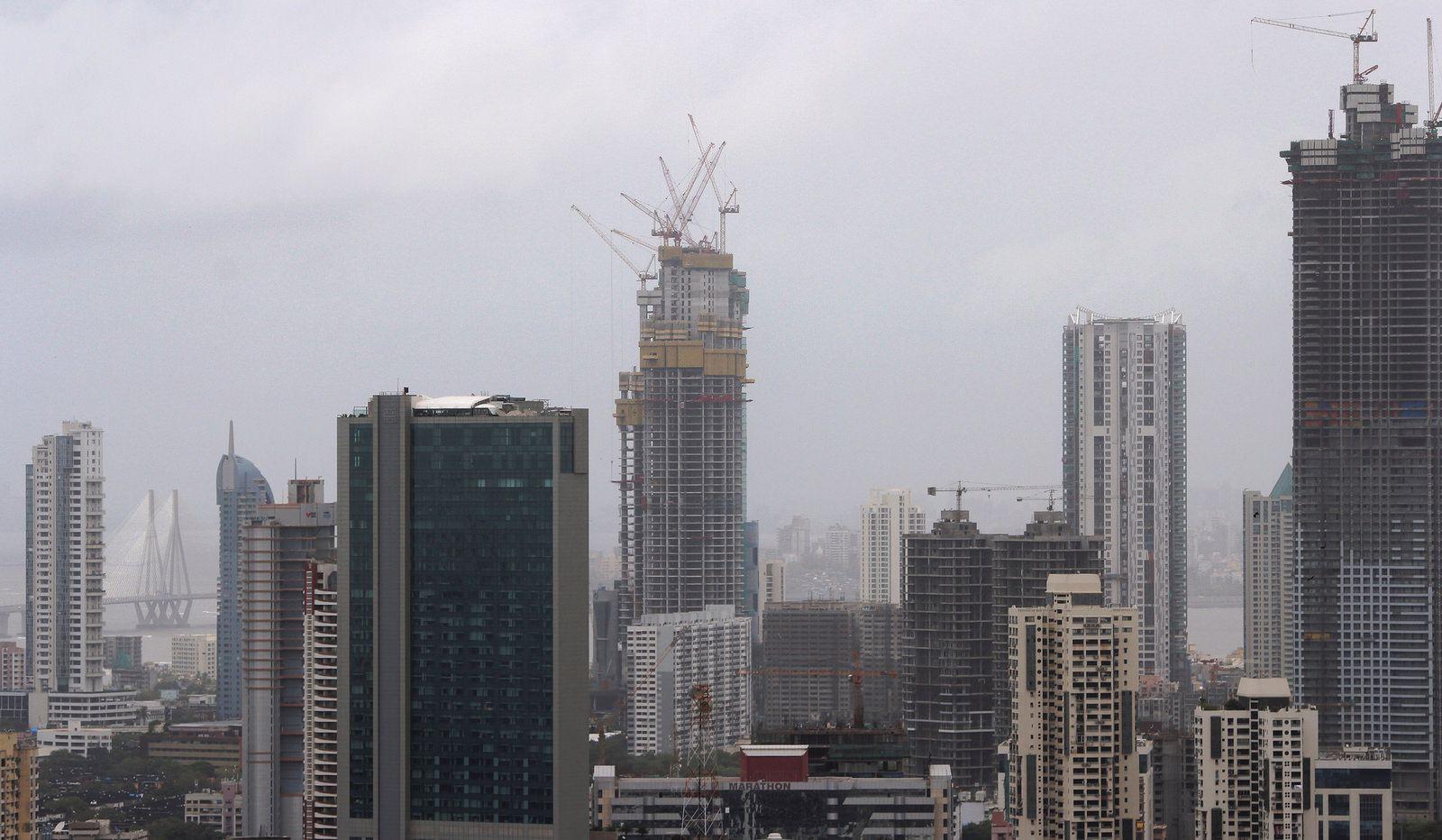 Mumbai Omkar 1973 Worli 320m 1050ft 78 Fl 300m 984ft 77 Fl 280m 919ft 63 Fl U C Page 9 New York Skyline San Francisco Skyline Skyline
