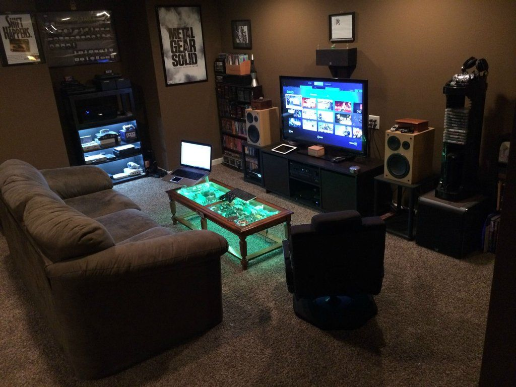 My battlestation best game rooms and men cave ideas for Small apartment setup