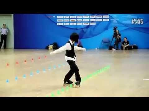 Chinese Girl's Fabulous Roller Skating Skills - Amazing Roller Skating   Funny and Amazing Videos