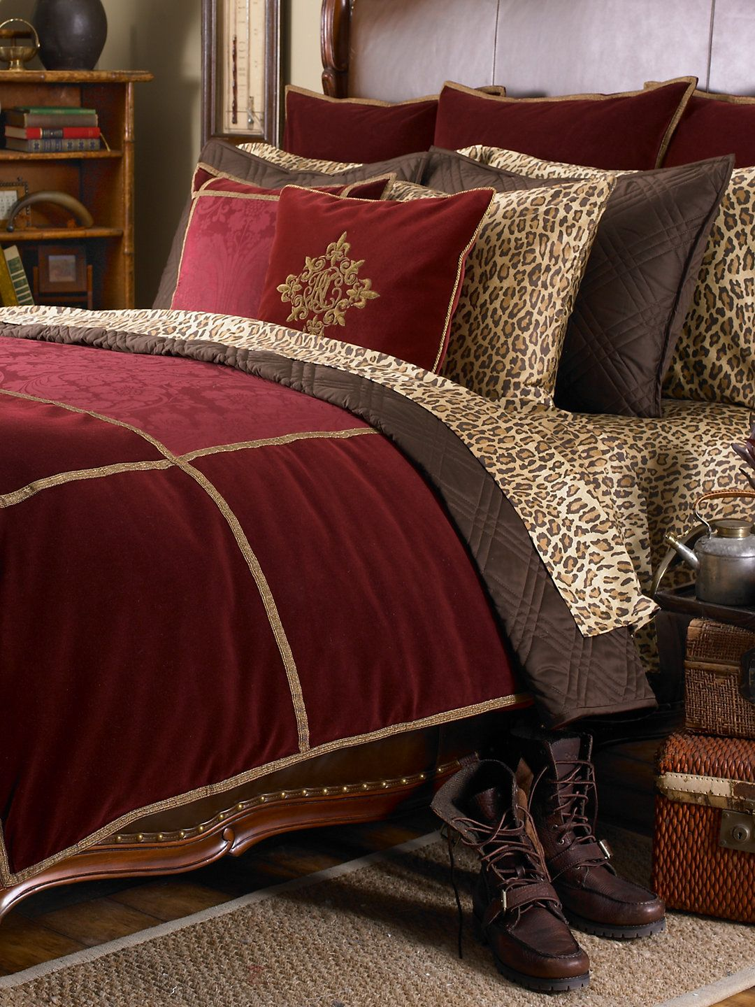 Venetian Court Collection - Bed Collections Home
