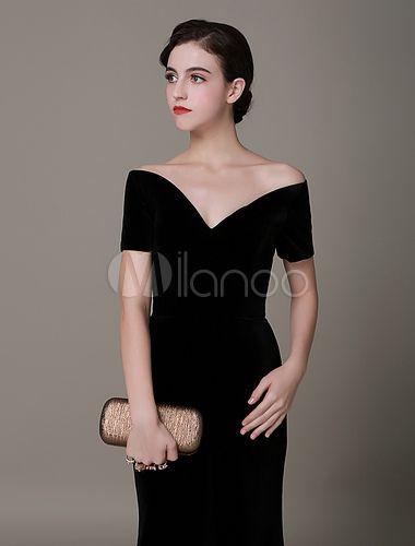 7572d55155 Vestido de noche de terciopelo negro con manga corta y escote en corazón