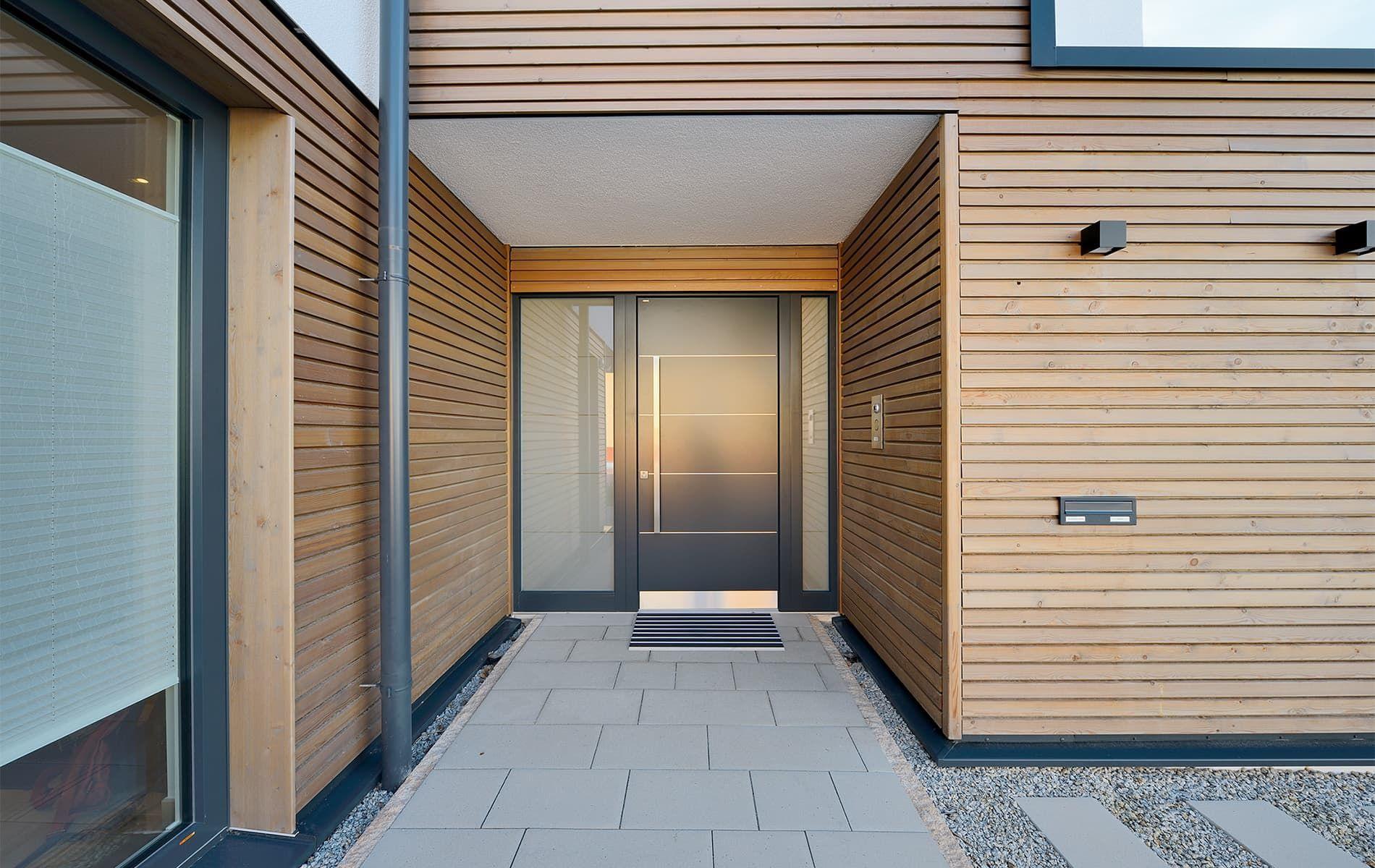 Dieses großzügige Haus läßt keine Wünsche offen harmonisch gestaltete Wohnräume Wellnessbereich mit Schwimmbad