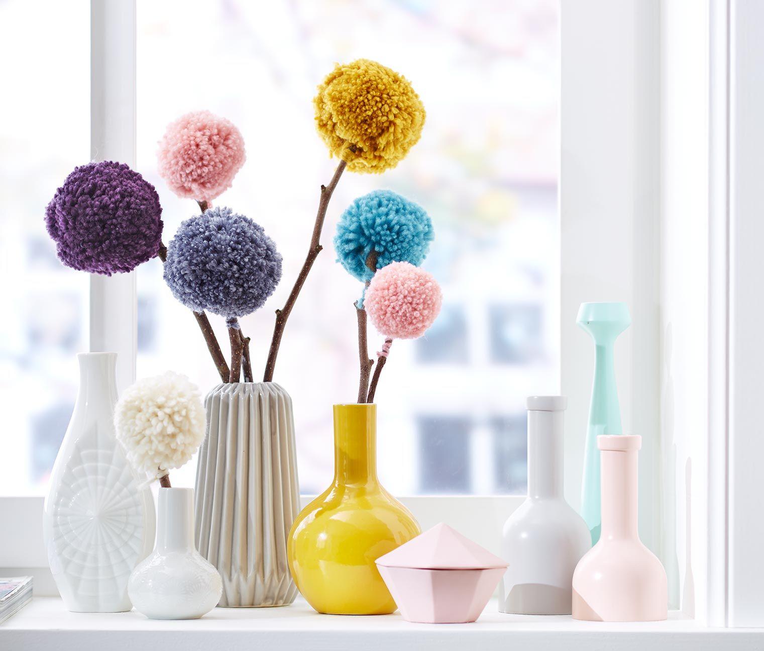 bommel blumen in vase tchibo dekoration pinterest kuschelecke bommel und bastelarbeiten. Black Bedroom Furniture Sets. Home Design Ideas