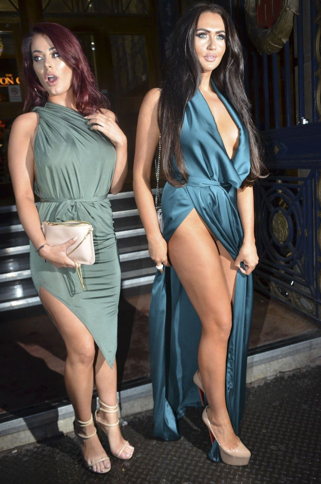 charlotte dawson (in the right), upskirt pussy no panties!. | black