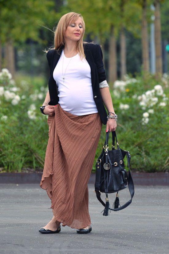 jupe longue pliss e belle enceinte tenues de grossesse. Black Bedroom Furniture Sets. Home Design Ideas