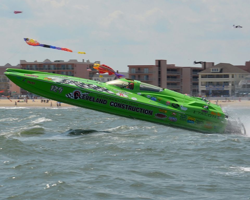 Powerboats Race For World Title With Images Power Boats