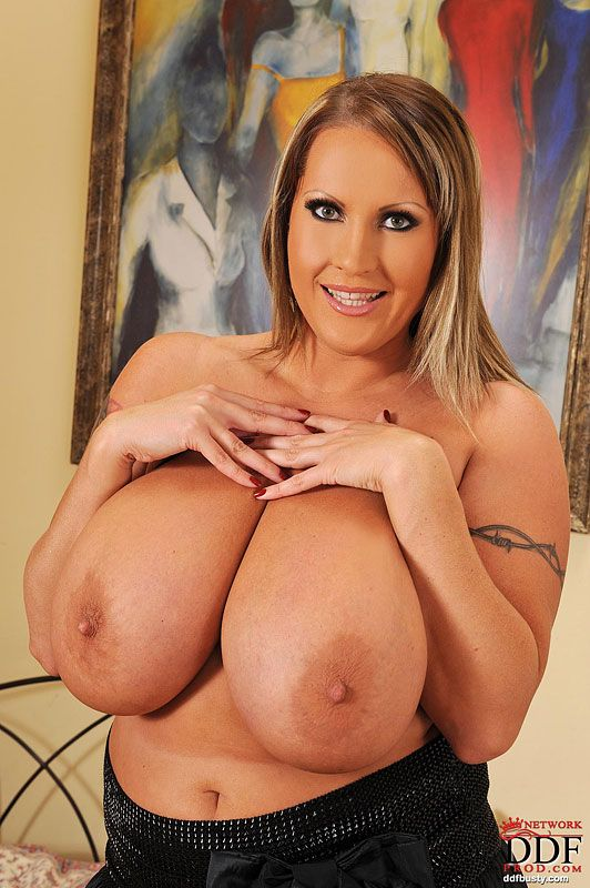 tits-girls-laura-tits-penis-pussy