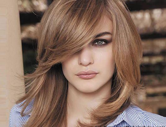 Coupe de cheveux meche femme