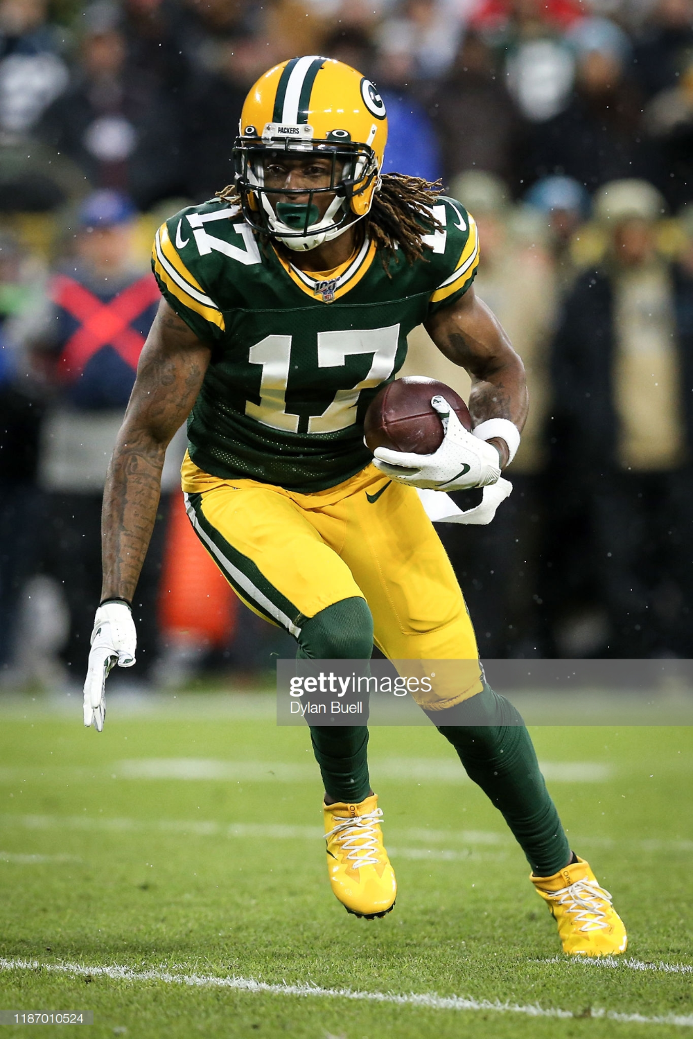 Davante Adams Of The Green Bay Packers Runs With The Ball In The Green Bay Packers Green Bay Packers Football Packers