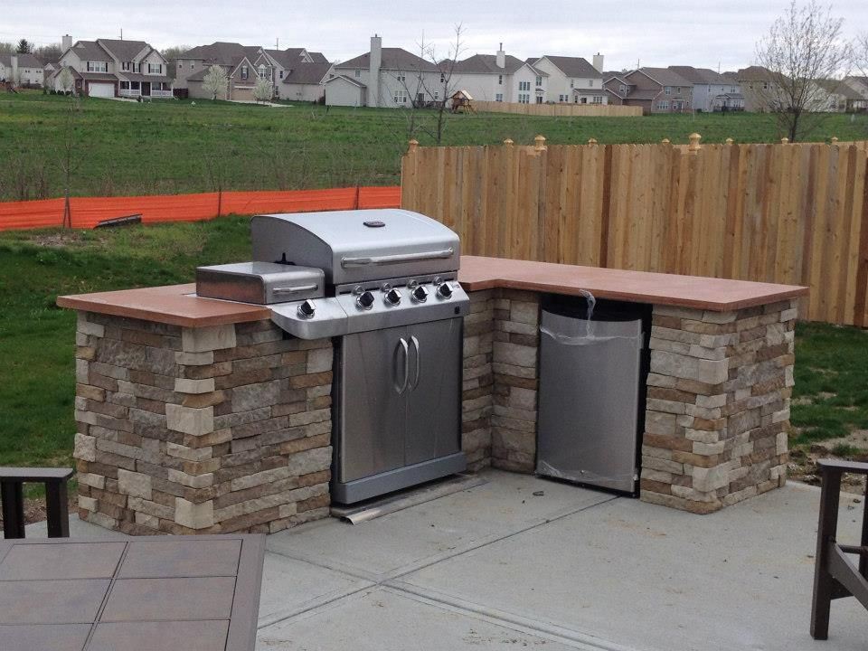 Outdoor kitchen kitchens backyard and patios a diy stained glass door outdoor kitchen imgur solutioingenieria Images