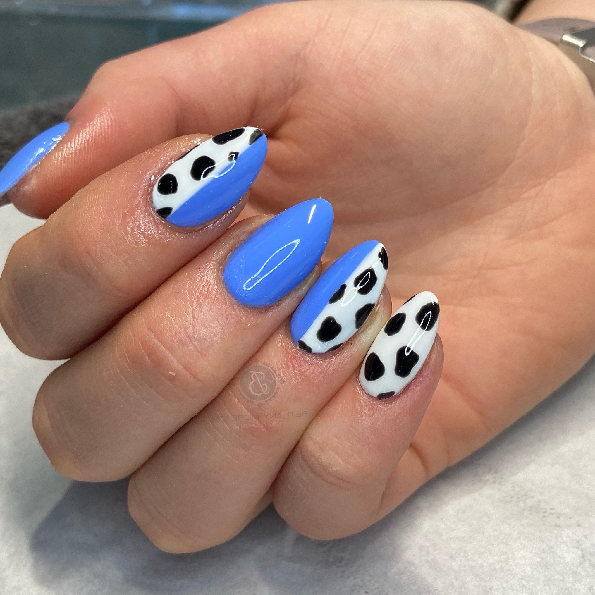 #nails #thegelbottle #biab #nailtech #nailsbybeff #Staffordshire #biddulph #cheshire #nailart #love #fashion #nailtechnician #scratchmagazine  #nailaddict #nailpro #showscratch #polish #nailfie #cowprintnails