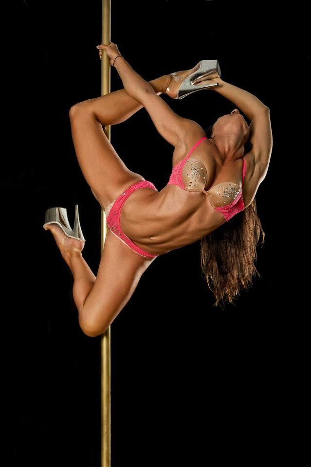Pole dance nackt