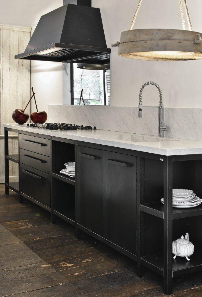 Cucina in FerroCucina su misura in ferro zincato. Colori a scelta ...