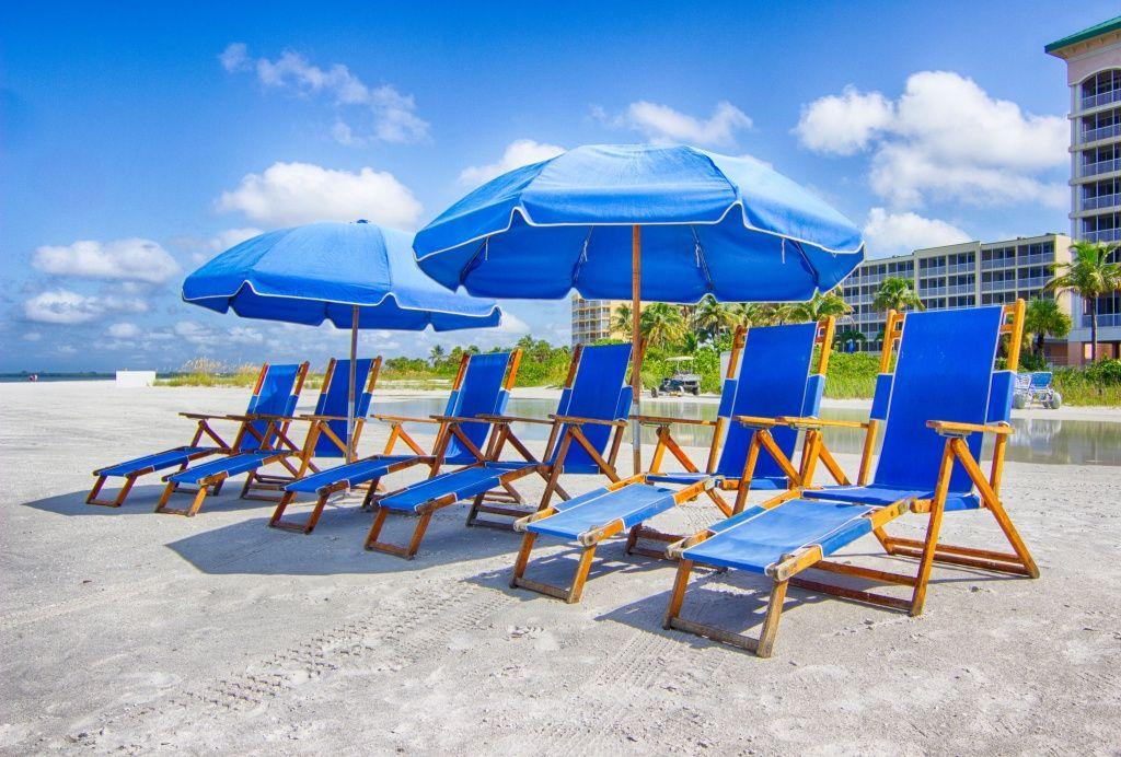 Holiday Water Sports Beach Chair Rental Ft. Myers Beach, FL