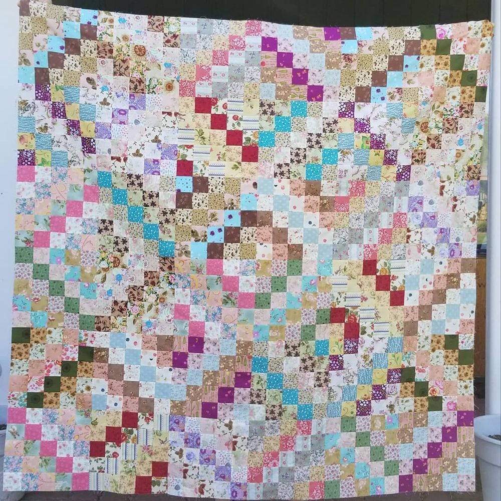 Paulette On Instagram Trippy Quilt Top Done 45 Floral Strips And 15 Contrasts Has A Vintage Feel I May Add A Border Later Or N Quilts Quilt Top Pattern