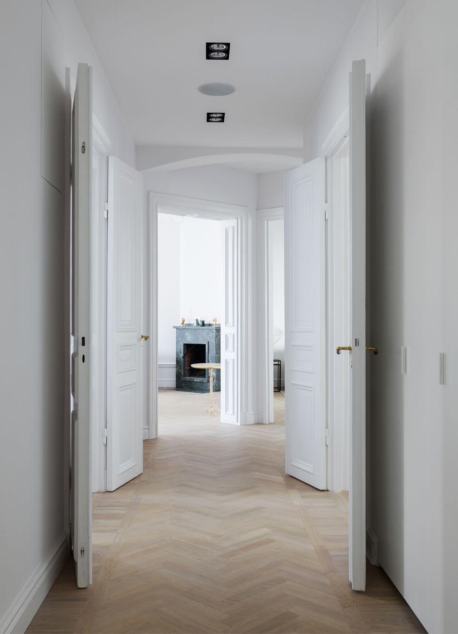 Minimal Home With An Exclusive Look   Via Coco Lapine Design Blog ·  AltbautenKlassischModernes BauernhausHaus ...